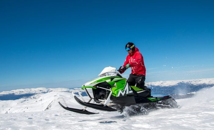 Average Dry Weight of 15 Snowmobiles