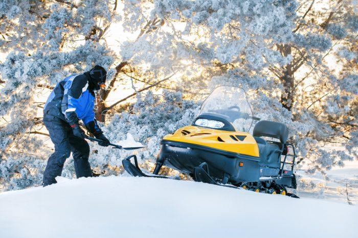 best shovel for snowmobiling