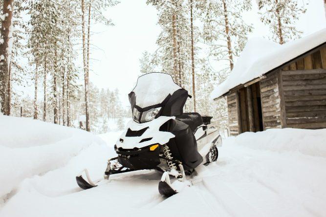 snowmobile loading ramp carrying capacity
